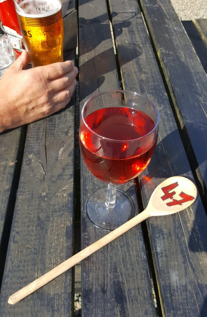 rose wine and a pint